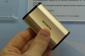 ADATA nos enseña un SSD externo en miniatura que alcanza los 500 MB/s