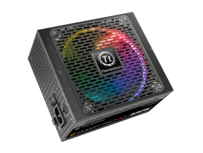 Thermaltake estrena en el CES sus fuentes Smart Pro RGB Bronze, Imagen 1