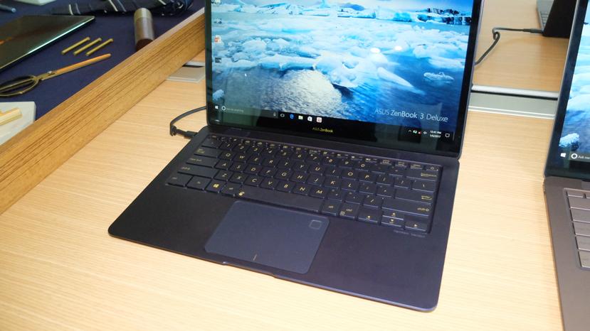 Asus reduce los marcos de su ZenBook 3 Deluxe para incorporar una pantalla de 14