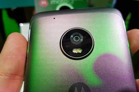 Los Moto G5 y Moto G5 Plus se pasan al metal para competir en la gama media