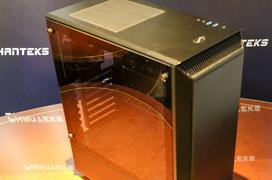 Phanteks Eclipse P300, posiblemente no encontrarás una caja con cristal templado más barata