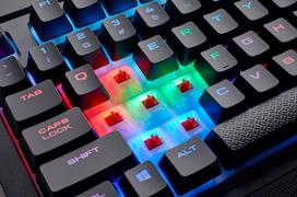 El resistente teclado mecánico Corsair K68 recibe iluminación RGB