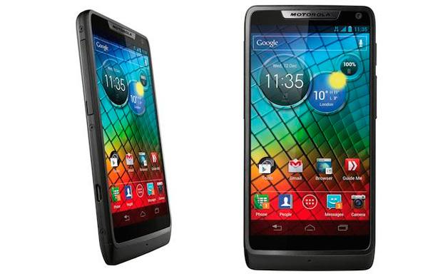 Motorola RAZR i, smartphone con Android ICS y CPU Intel Medfield, Imagen 1
