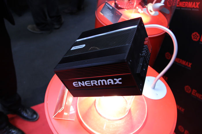CeBIT 2013. Enermax muestra una fuente pasiva 80 PLUS Platinum, Imagen 2