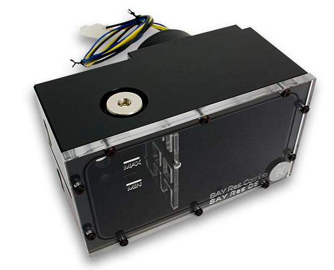 EK BAY RES D5, un deposito para refrigeración líquida con bomba integrada, Imagen 1