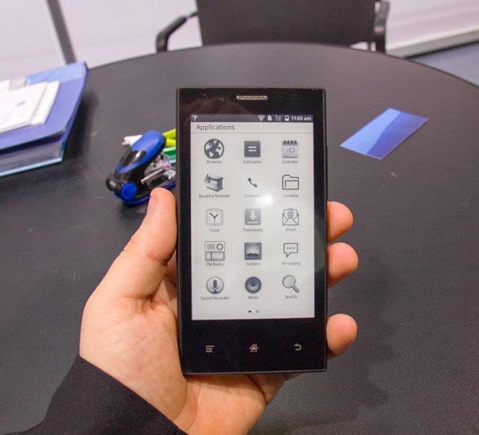 El MIDIA InkPhone tiene una autonomía de 2 semanas gracias a su pantalla de tinta electrónica, Imagen 2