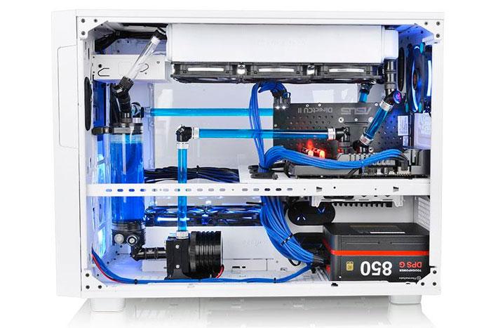 Thermaltake lanza la enorme torre Core X9 Snow Edition, Imagen 2