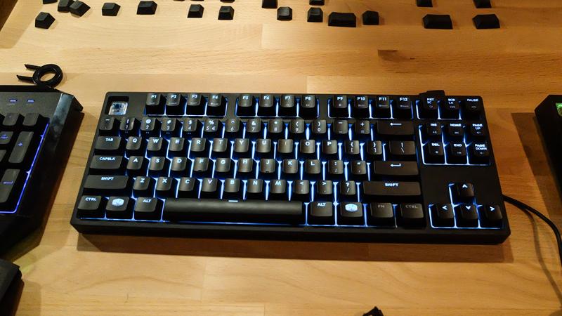 Cooler Master introduce su propio sistema de iluminación de alta potencia en los teclados MasterKeys Pro, Imagen 2
