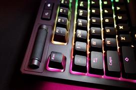 ROG Strix Flare, así es teclado gaming mecánico RGB de ASUS