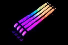 Corsair Vengeance RGB Pro, memorias DDR4 con 10 LEDs RGB y 4.000 MHz