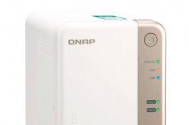 El NAS QNAPTS-251B incorpora un slot PCIe para ampliarse a 10GbE y añadir unidades M.2