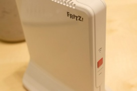 FRITZ! nos trae un repetidor WiFi con funciones Mesh y dos puertos Ethernet Gigabit