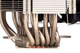 El GELID Sirocco mantiene un alto de 16 cm con 6 heatpipes y hasta doble ventilador RGB