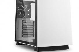 La Sharkoon PURE STEEL llega con un minimalista diseño pero con capacidad para placas base EEB