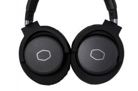 Cooler Master anuncia sus auriculares gaming MH751 y MH752 con diseño discreto