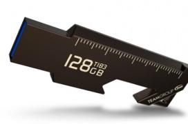 Team Group T183, un pendrive USB con navaja, abrebotellas y regla