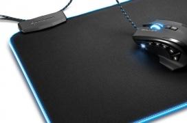 Sharkoon lanza sus alfombrillas 1337 XXL con iluminación RGB y guía para cables