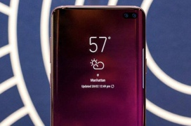 Una filtración del Samsung Galaxy S10 muestra un prototipo con un borde superior casi inexistente
