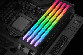 Con este módulo de Thermaltake podrás poner iluminación RGB a cualquier RAM