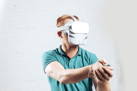 Esta máscara promete crear una mayor sensación de inmersión generando olores para experiencias VR