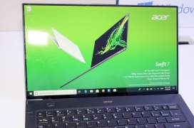 El Acer Swift 7 reduce sus marcos a la mínima expresión para conseguir un 92% de proporción pantalla/cuerpo