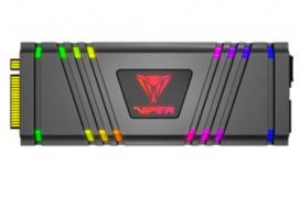 Patriot integra 13 LEDs RGB en sus SSD NMVe M.2 Viper VPR100
