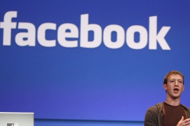 """Un informe parlamentario del Reino Unido etiqueta a Facebook como """"gangsters digitales"""""""