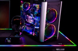 Ya se puede comprar la mesa gaming motorizada Thermaltake Level 20 RGB Battlestation por $1199.99