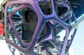 Con un coste de 4.000 Euros, las llamativas torres InWin Yong se diseñan de manera aleatoria creando modelos únicos entre sí