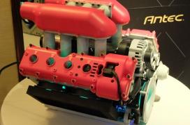Tu ordenador dentro de un motor V8 con la caja compacta Antec GTR preparada para refrigeración líquida