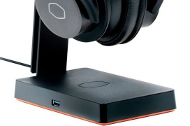 El dock Cooler Master GS750 ofrece carga inalámbrica, soporte para casco y conectividad USB 3.0 adicional por 79.99 Euros
