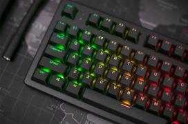 El Keystone es un teclado mecánico analógico que ha triplicado su meta en Kickstarter en poco más de un día