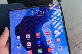 El Huawei Mate X se deja ver en manos del CEO de la compañía