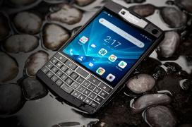 El Unihertz Titan es un smartphone con pantalla de 4.5
