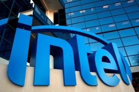 El CEO de Intel indica que veremos CPUs de 7 nanómetros a finales de 2021