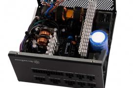 SilverStone añade la fuente ET700 de 700W con eficiencia 80 PLUS GOLD a su línea Essence