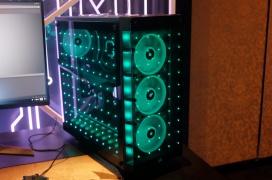 La Corsair Concept Orion cuenta con un sistema de iluminación LED Capellix alimentado por un film invisible