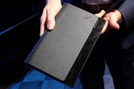Lenovo muestra en esta edición del CES su primer portátil con pantalla plegable, el Thinkpad X1