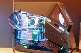 Thermaltake AH T600 TG, diseño futurista en esta torre con cinco paneles de cristal templado
