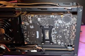 Con la Cooler Master NC100 podrás incorporar una gráfica dedicada de tamaño completo al nuevo Intel NUC 9 Extreme