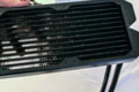 Fractal Design se atreve con una refrigeración líquida de radiador triple