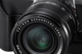 Fujifilm anuncia su cámara compacta X-T10 con sensor APS-C de 16 megapíxeles