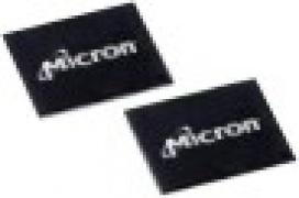Módulo RLDRAM de 288 Mb de manos de Micron