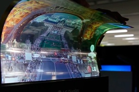 LG muestra una pantalla OLED de 18 pulgadas completamente flexible