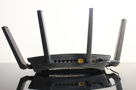 Review Router Netgear NightHawk X10 R9000