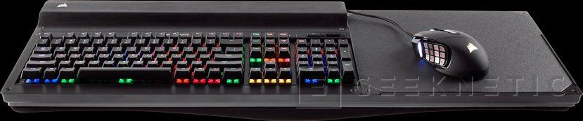 Corsair lanza  Lapdog, una base de aluminio para usar teclado y ratón en el sofá, Imagen 1