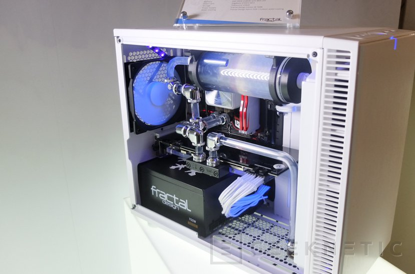 Fractal Design nos enseña sus torres compactas Nano S con equipos gaming, Imagen 2