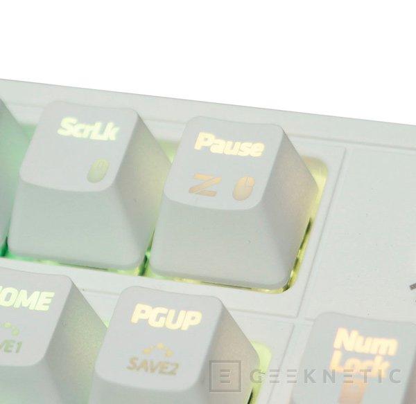 Blanco puro para el teclado mecánico ZM-K900M de Zalman, Imagen 3