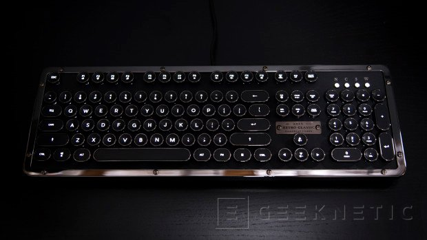 Si te va lo retro no te puedes perder el teclado Azio Retro Classic, Imagen 2