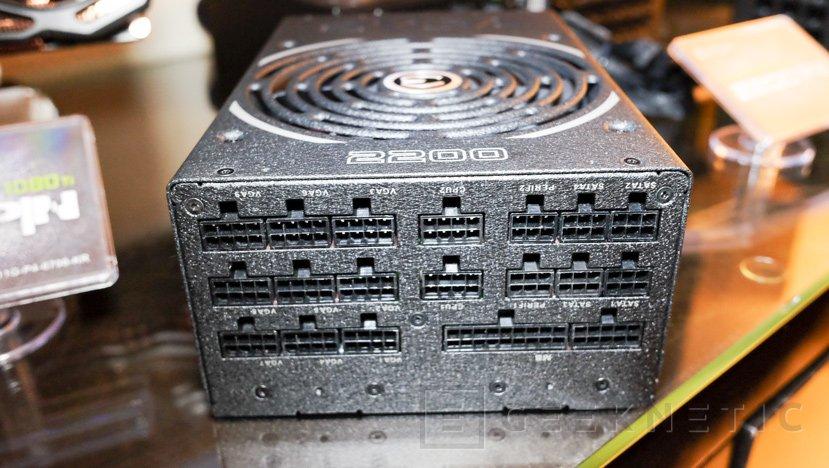 ¿Necesitas potencia? Esta fuente de EVGA ofrece 2200W, Imagen 1